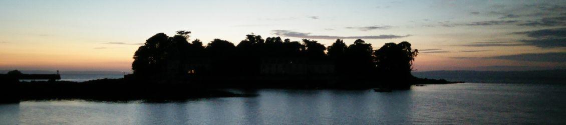 Crépuscule sur l'île Tristan